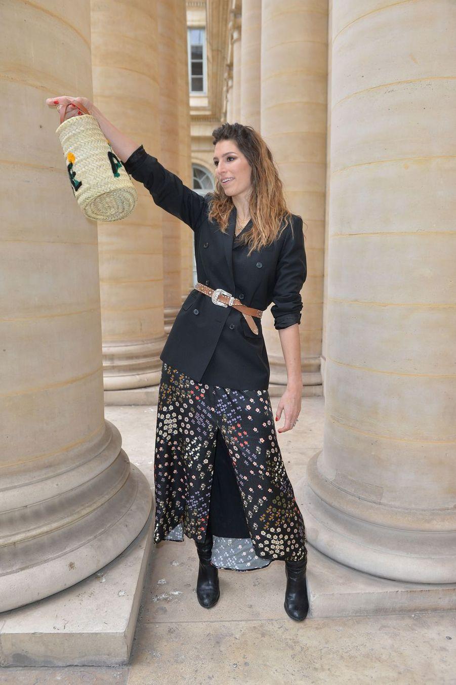 Laury Thilleman lors du défilé Paul & Joe à Paris, le 3 mars 2019