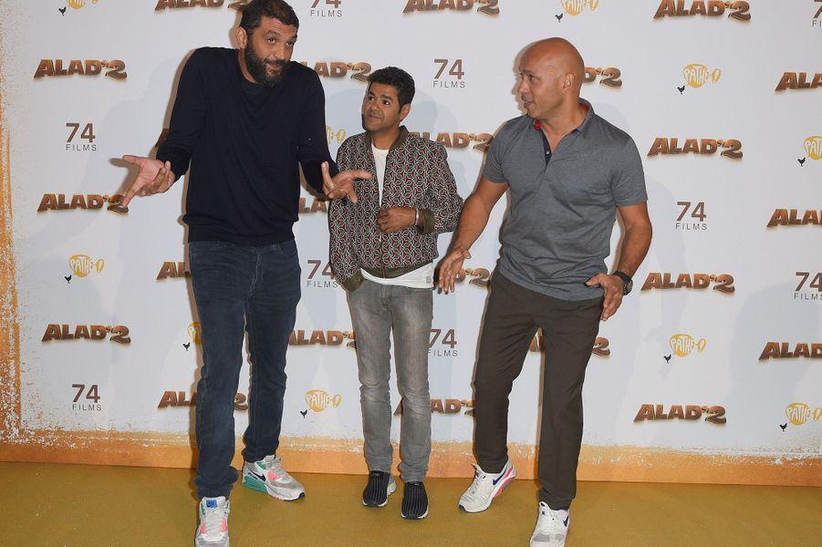 """Jamel Debbouze avec Eric et Ramzy à l'avant-première parisienne d'""""Alad'2"""""""