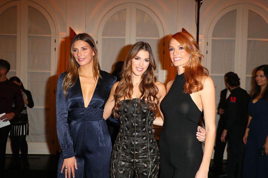 """Iris Mittenaere, avec Camille Cerf et Maëva Coucke, à la soirée de lancement de son livre """"Toujours y croire"""", mardi 6 novembre"""