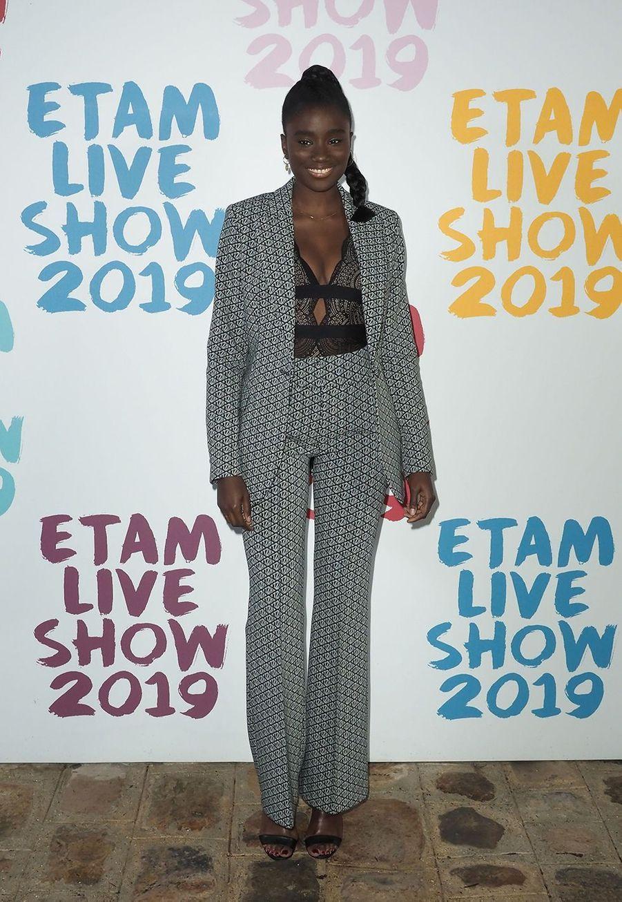 Karidja Touréau défilé de la marque Etam à Roland-Garros à Paris le 24 septembre 2019
