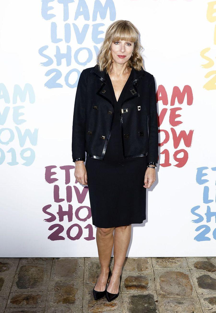 Karin Viardau défilé de la marque Etam à Roland-Garros à Paris le 24 septembre 2019
