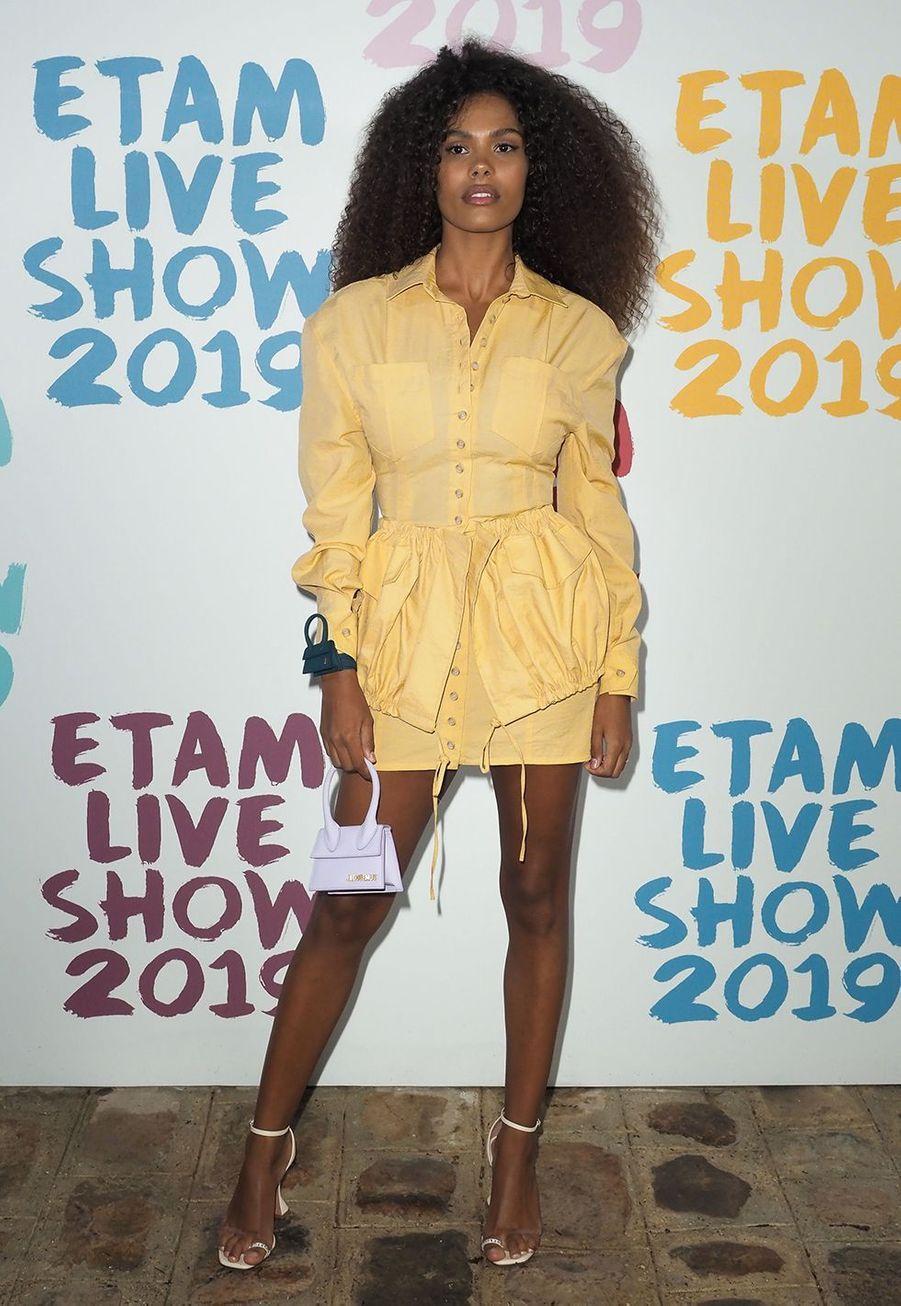 Tina Kunakeyau défilé de la marque Etam à Roland-Garros à Paris le 24 septembre 2019