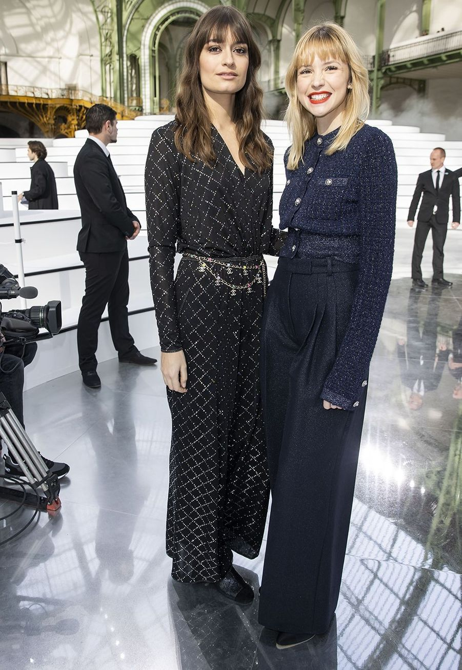 Clara Luciani et Angèleau défilé Chanelà Paris le 3 mars 2020