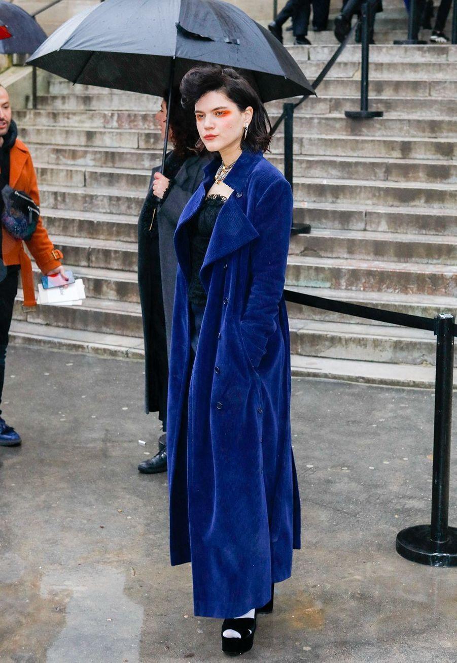 Sokoarrive au défilé Chloé lors de la fashion week de Paris, le 27 février 2020.