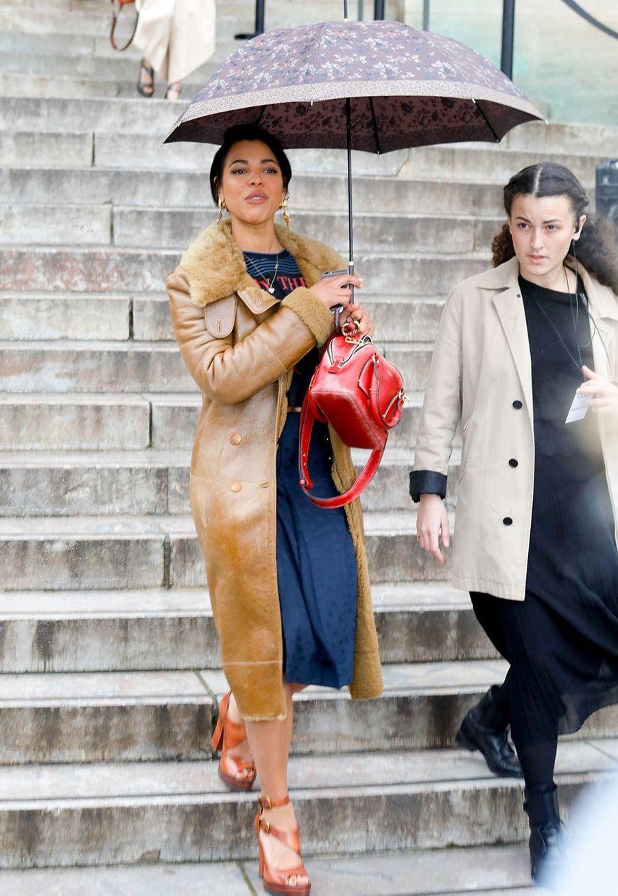 Zita Hanrotarrive au défilé Chloé lors de la fashion week de Paris, le 27 février 2020.