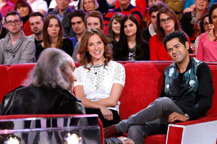 """Jamel Debbouze et Mélissa Theuriau dans l'émission """"Vivement Dimanche"""" en 2015"""