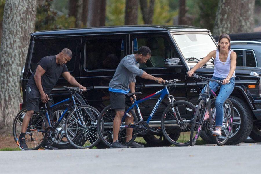 Katie Holmes et Jamie Foxx essaient leurs nouveaux vélos le 24 septembre 2018