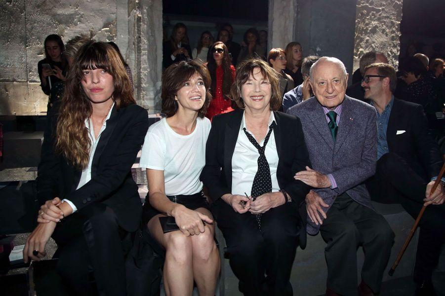 Lou Doillou, Charlotte Gainsbourg, Jane Birkin et Pierre Bergé