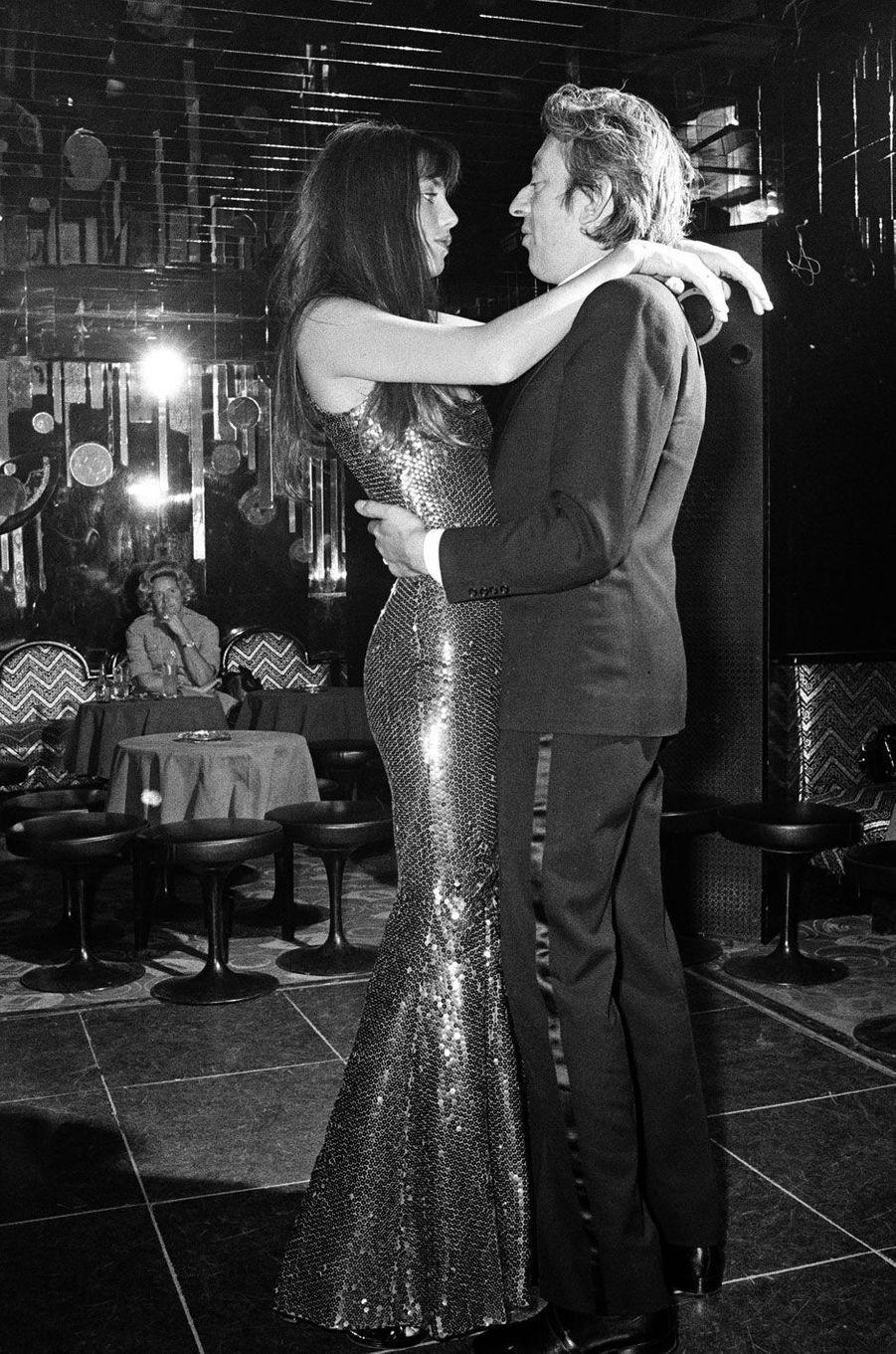 Serge Gainsbourg et Jane Birkin Chez Régine en 1973.