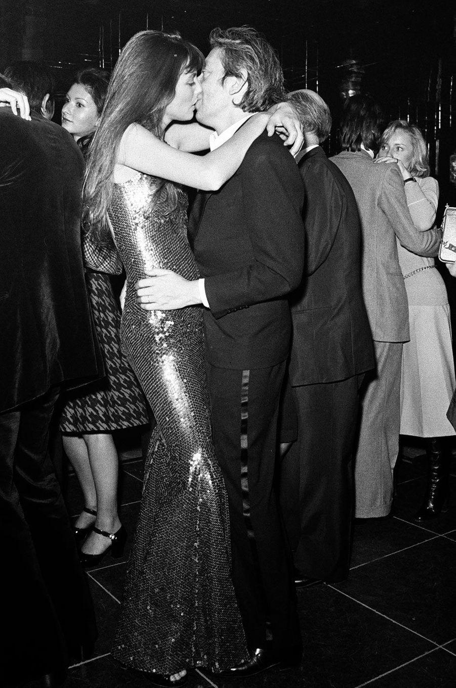 Fous amoureux, chez Régine en octobre 1973.