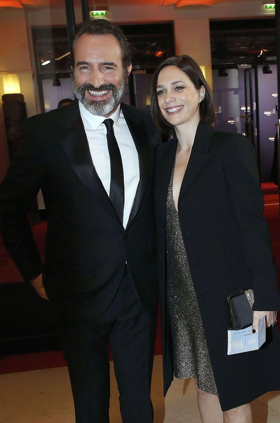 Jean Dujardin et Nathalie Péchalat à la cérémonie des César en 2017.