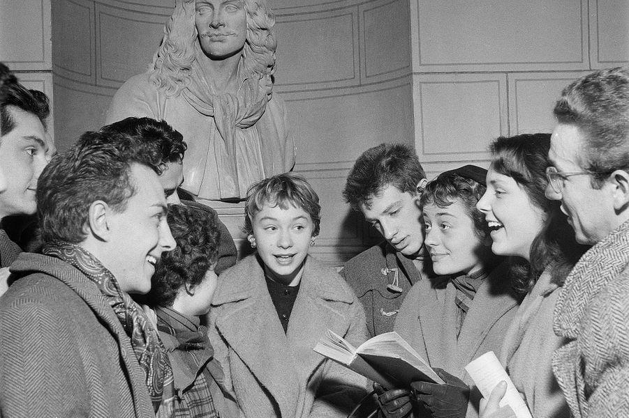 Jean-Paul Belmondo avec l'actrice Evelyne Ker au Conservatoire