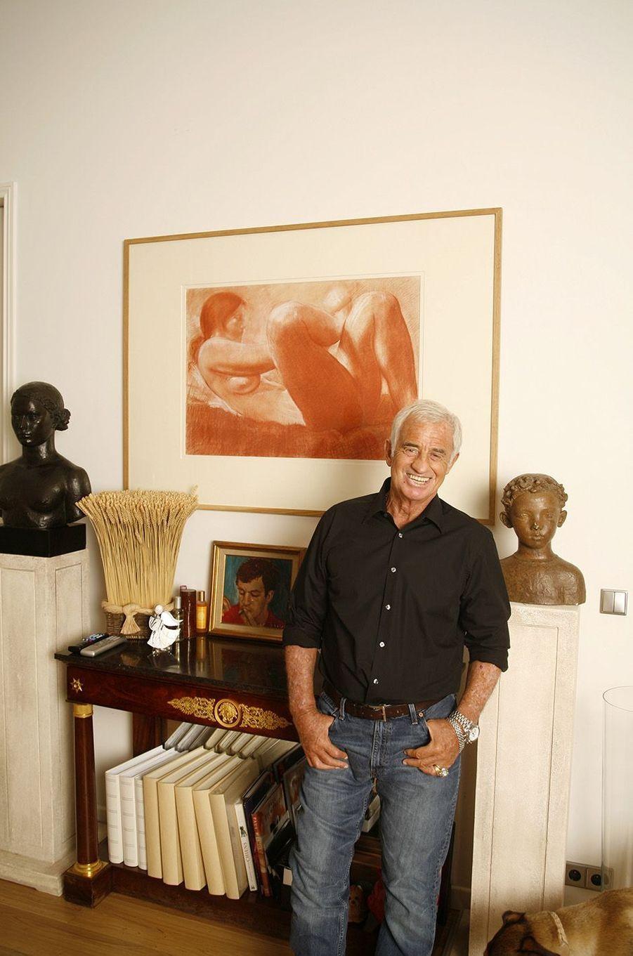 Jean-Paul Belmondo reçoit Match dans son appartement parisien, 2006.