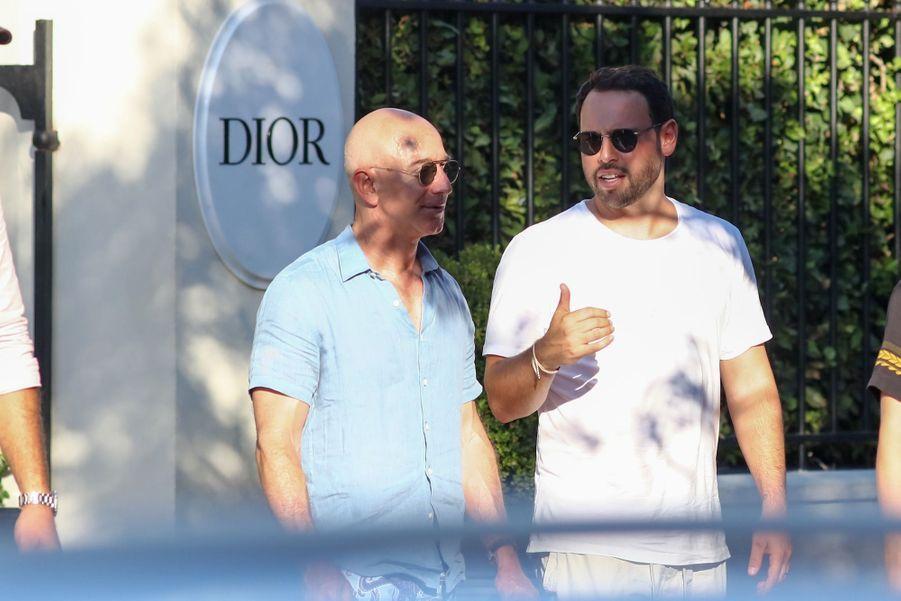 Jeff Bezos et Scooter Braun à Saint-Tropez le 9 août 2019
