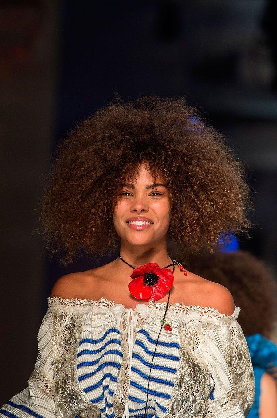 Tina Kunakey au défilé Jean-Paul Gaultier