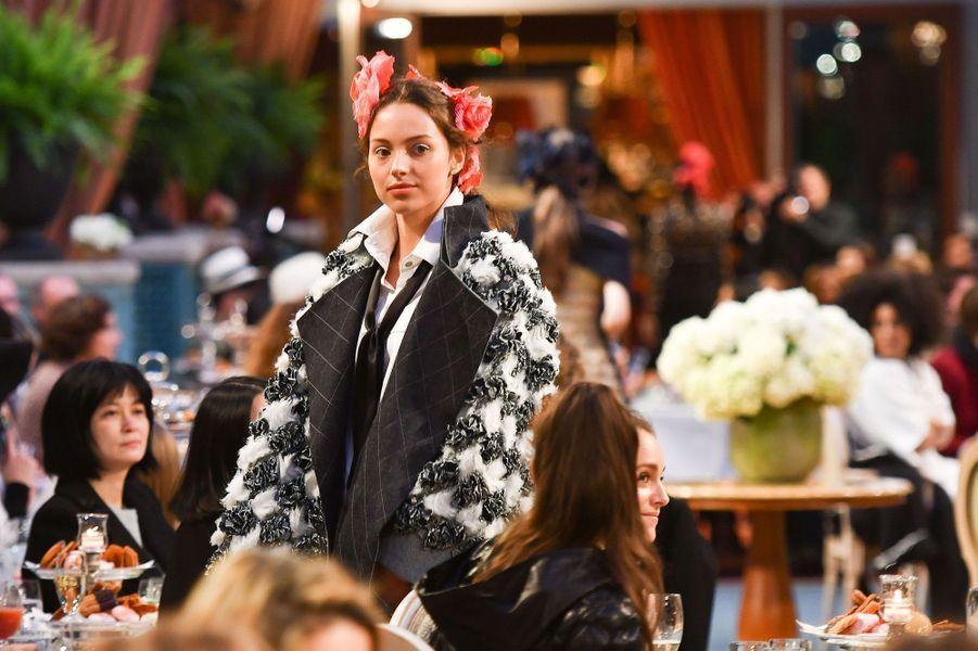 Jenaye Noah, la fille de Yannick Noah, au défilé Chanel