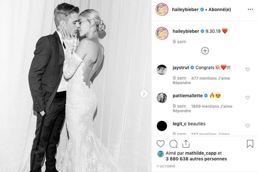 Après s'être uni en catimini à New York en septembre 2018,Justin Bieber et Hailey Baldwin se sont mariés à nouveau le 30 septembre 2019 en Caroline du Sud.