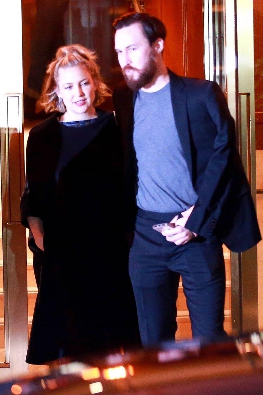 Kate Hudson et son compagnon Danny Fujikawaà la soirée d'anniversaire de Jennifer Aniston à Los Angeles le 9 février 2019