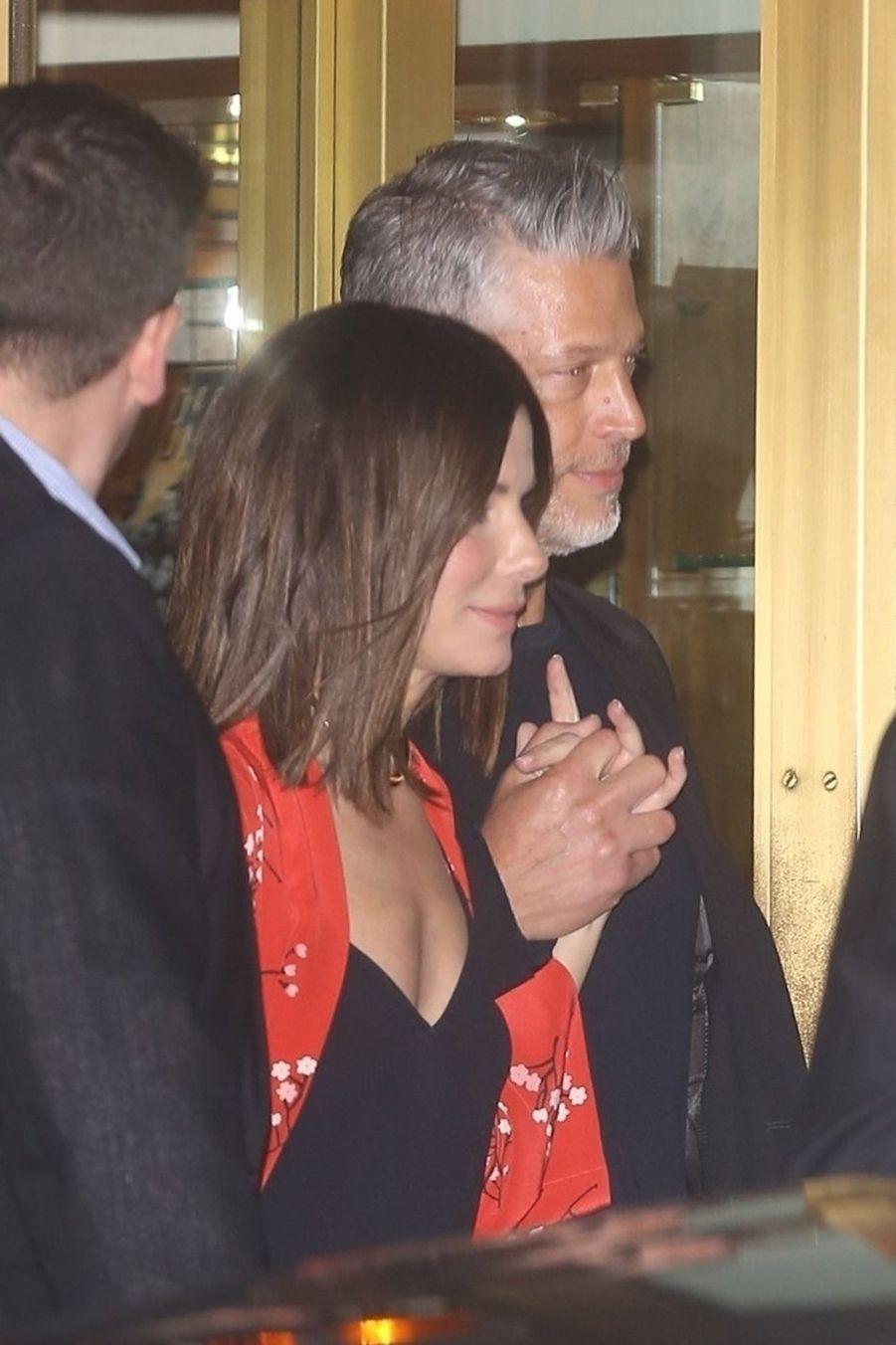 Sandra Bullock et son compagnon Bryan Randallà la soirée d'anniversaire de Jennifer Aniston à Los Angeles le 9 février 2019