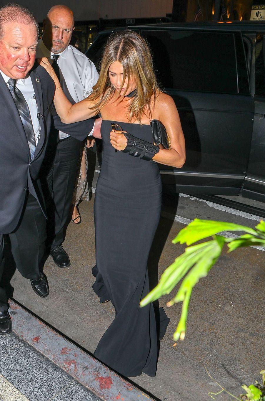 Jennifer Aniston à la fête de fiançailles de Gwyneth Paltrow