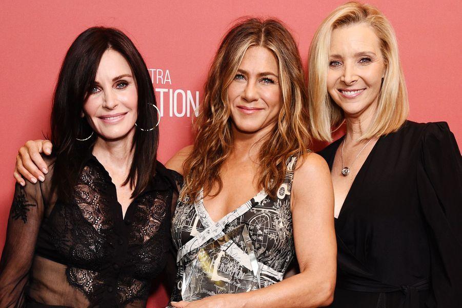 Courteney Cox, Jennifer Aniston et Lisa Kudrowà la cérémonie desSAG-AFTRA Foundation à Los Angeles 7 novembre 2019