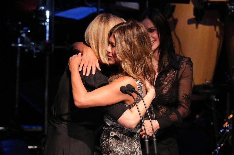 Lisa Kudrow, Jennifer Aniston et Courteney Coxà la cérémonie desSAG-AFTRA Foundation à Los Angeles 7 novembre 2019