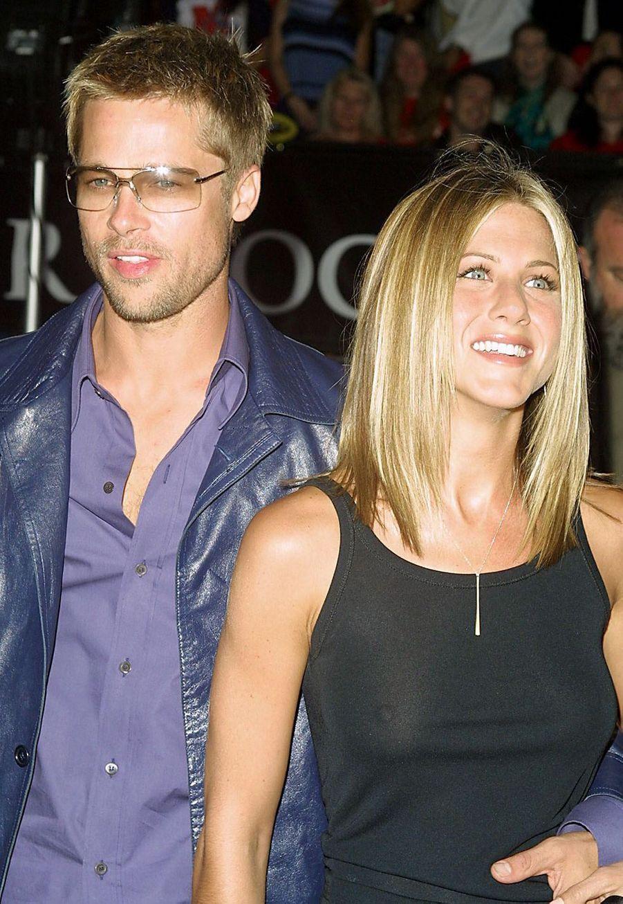 Jennifer Aniston au côté de Brad Pitt en 2001