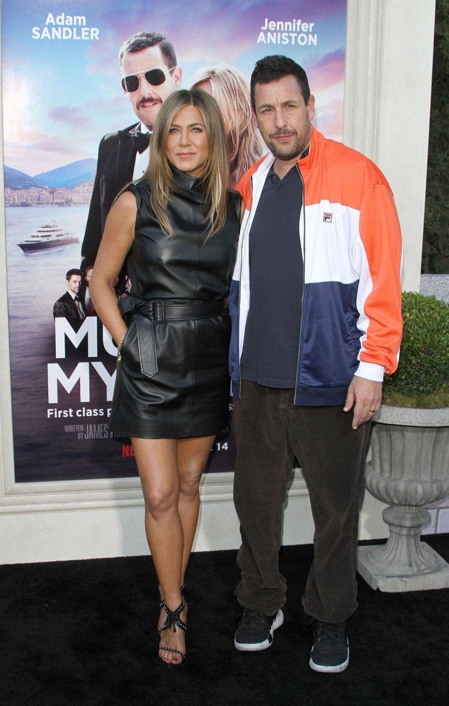 Jennifer Aniston et Adam Sandler à la première du film«Murder Mystery» le 10 juin à Los Angeles.