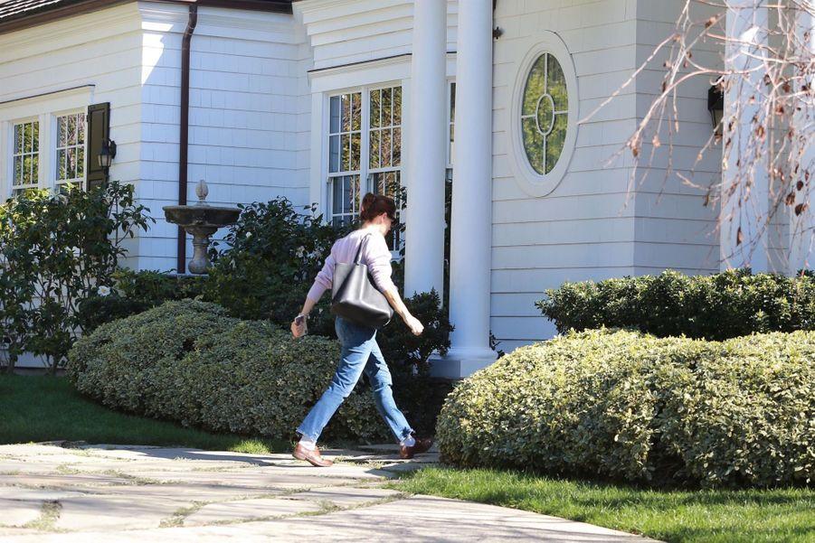 Jennifer Garner rentre dans sa nouvelle maison dans le quartier de Pacific Palisades à Los Angeles, le 6 février 2019