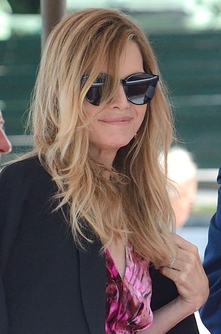 Michelle Pfeiffer arrive à Venise.