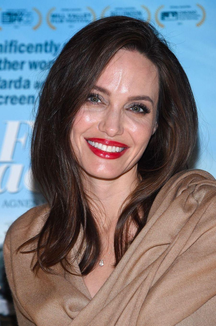 """Angelina Jolie à la première de """"Visages Villages"""" à Hollywood"""