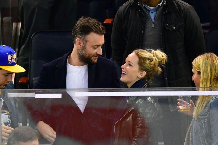 Cooke Maroney et Jennifer Lawrence au match des Rangers, dimanche 4 novembre
