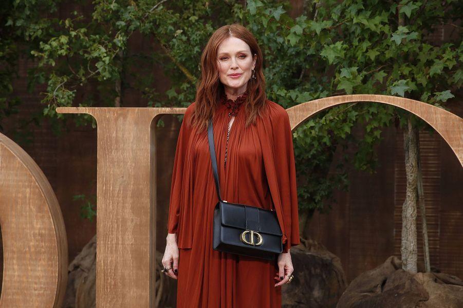 Julianne Mooreà la présentation des collections femme printemps-été 2020 de la maison Dior à Paris le 24 septembre 2019