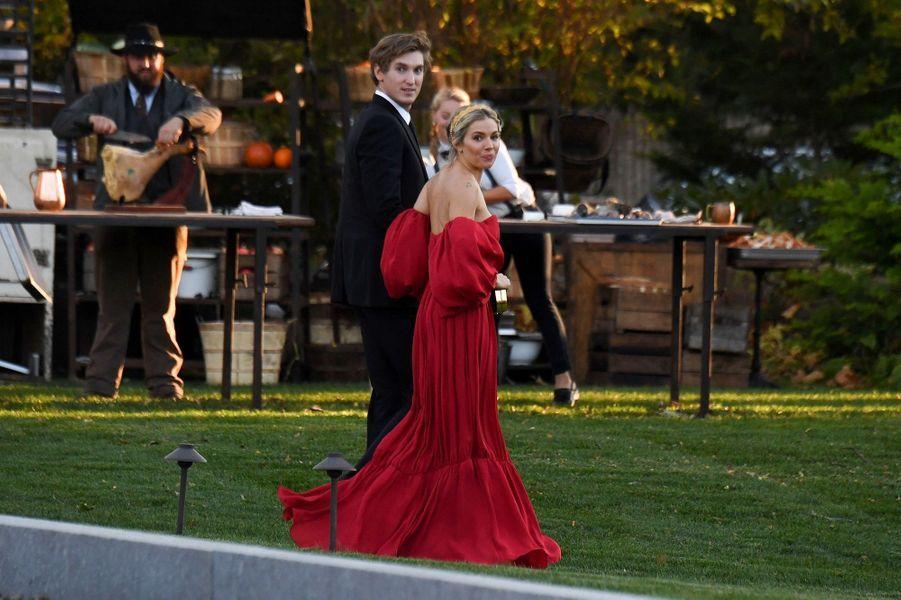 Sienna Miller lors du mariage de Jennifer Lawrence et Cooke Maroney àRhode Island le dimanche 22 octobre2019.