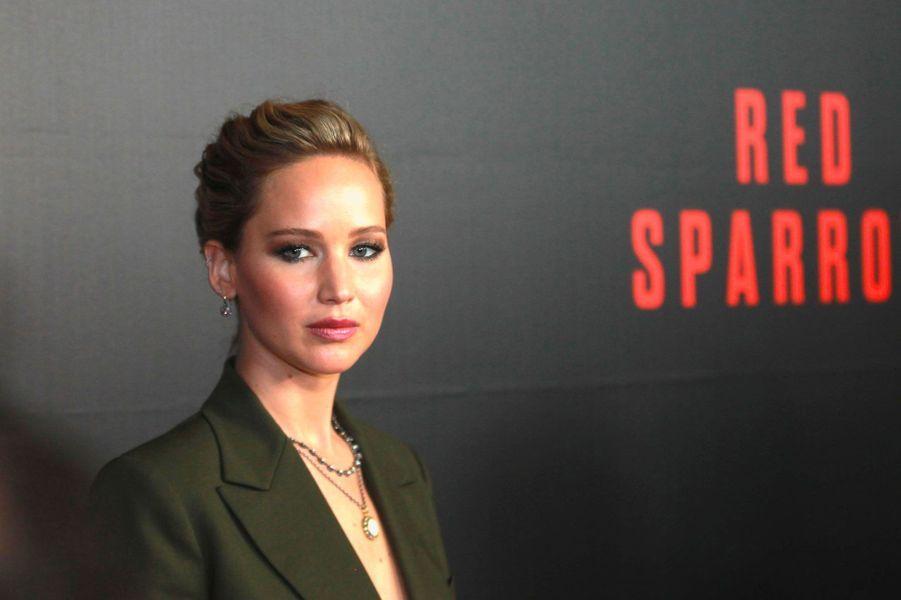 """Jennifer Lawrence à la première de """"Red Sparrow"""" à Washington le 15 février 2018"""