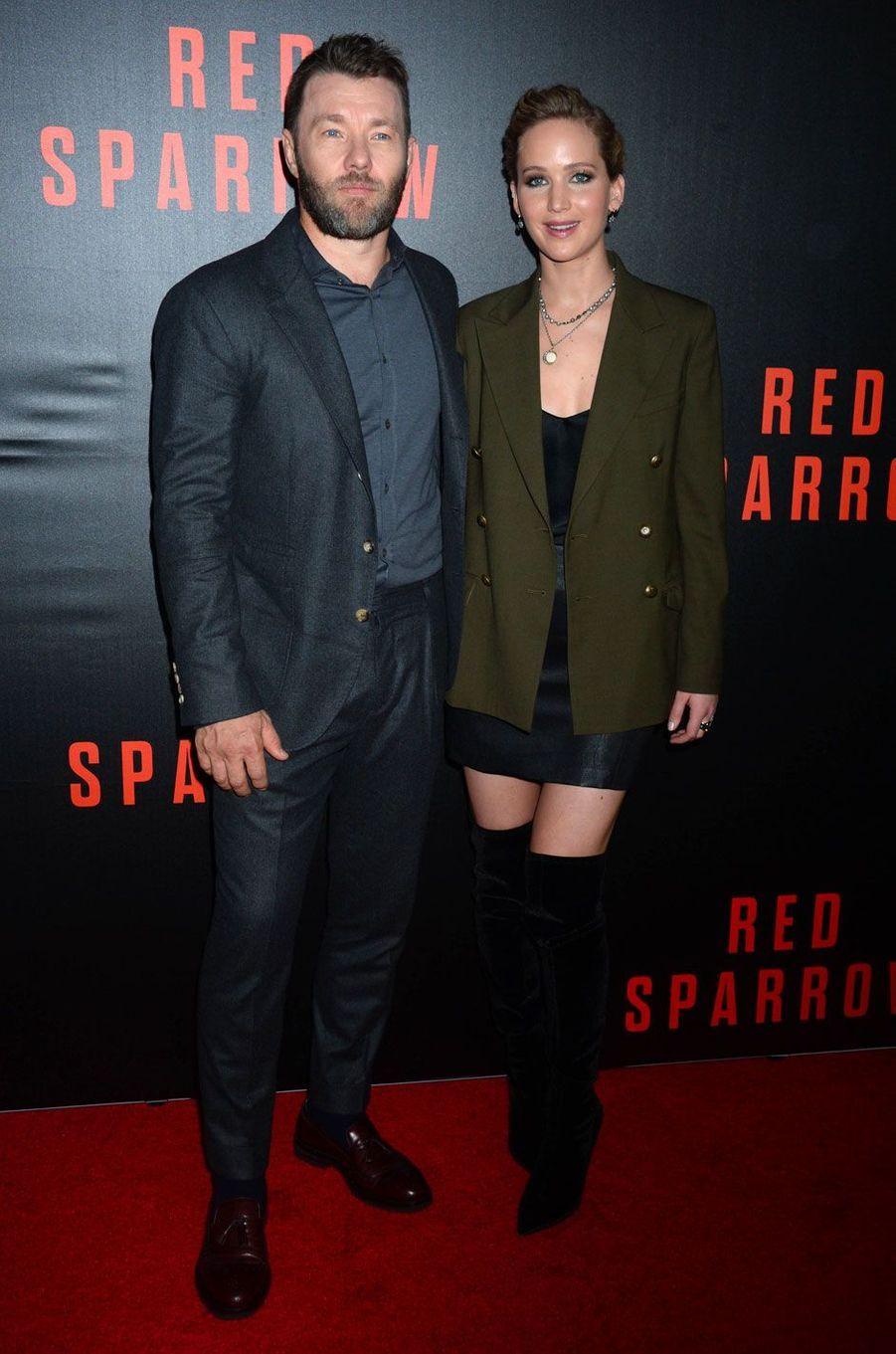 """Jennifer Lawrence et Joel Edgerton à la première de """"Red Sparrow"""" à Washington le 15 février 2018"""