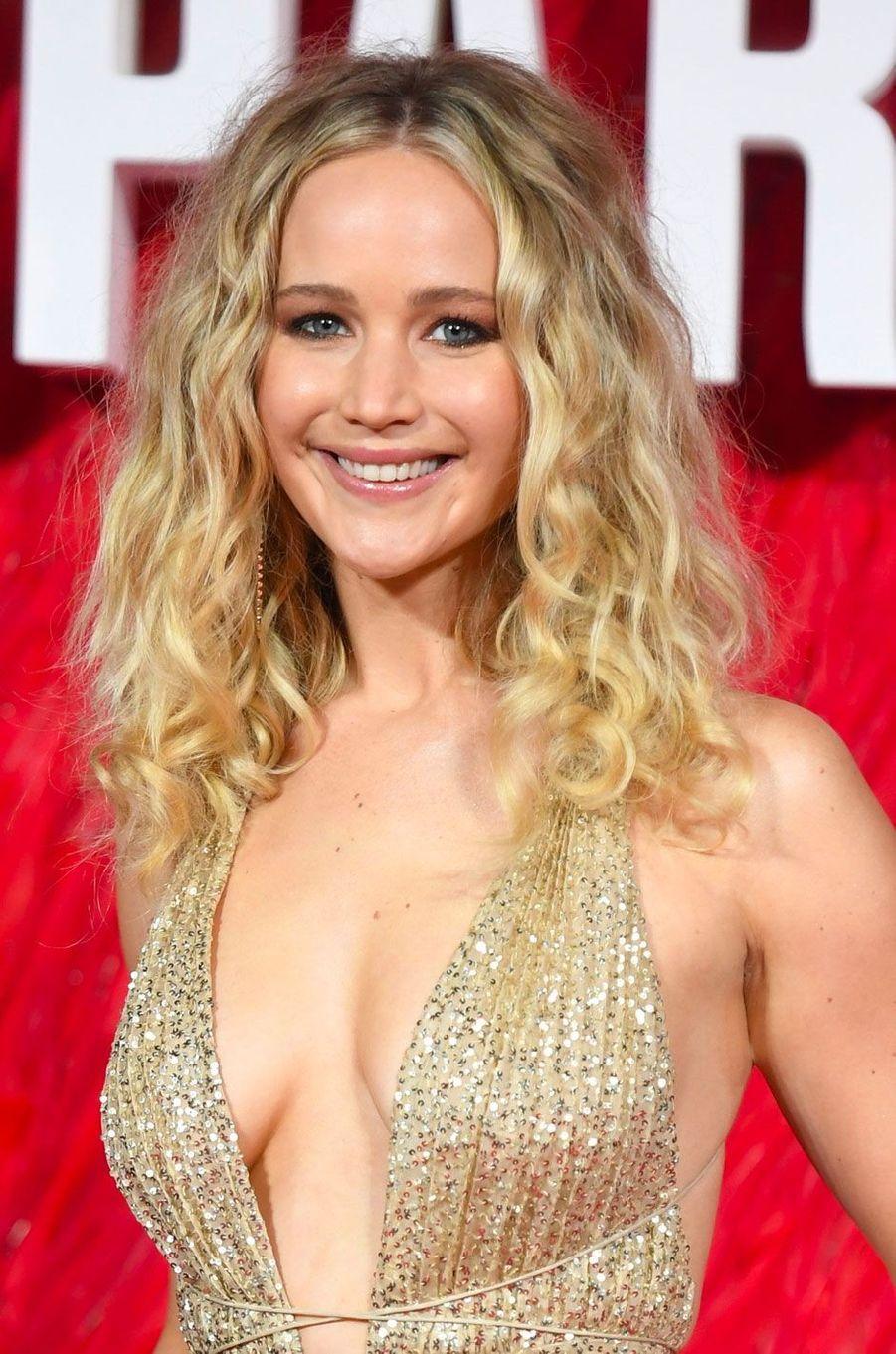 """Jennifer Lawrence à l'avant-première de """"Red Sparrow"""", à Londres le 19 février"""