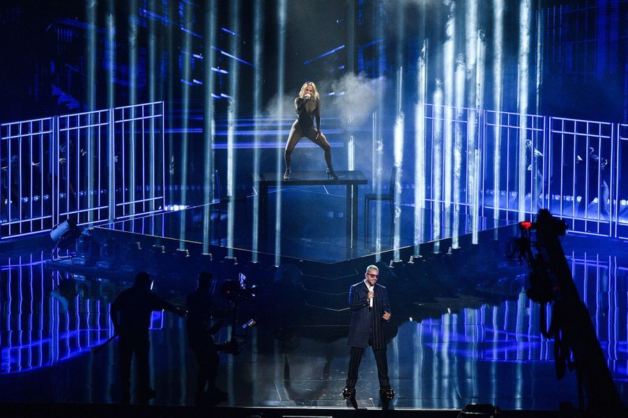 Maluma et Jennifer Lopez aux American Music Awards à Los Angeles le 22 novembre 2020
