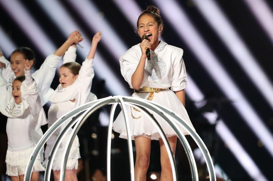 Emme, la fille de Jennifer Lopez, sur la scène du Super Bowl à Miami le 2 février 2020