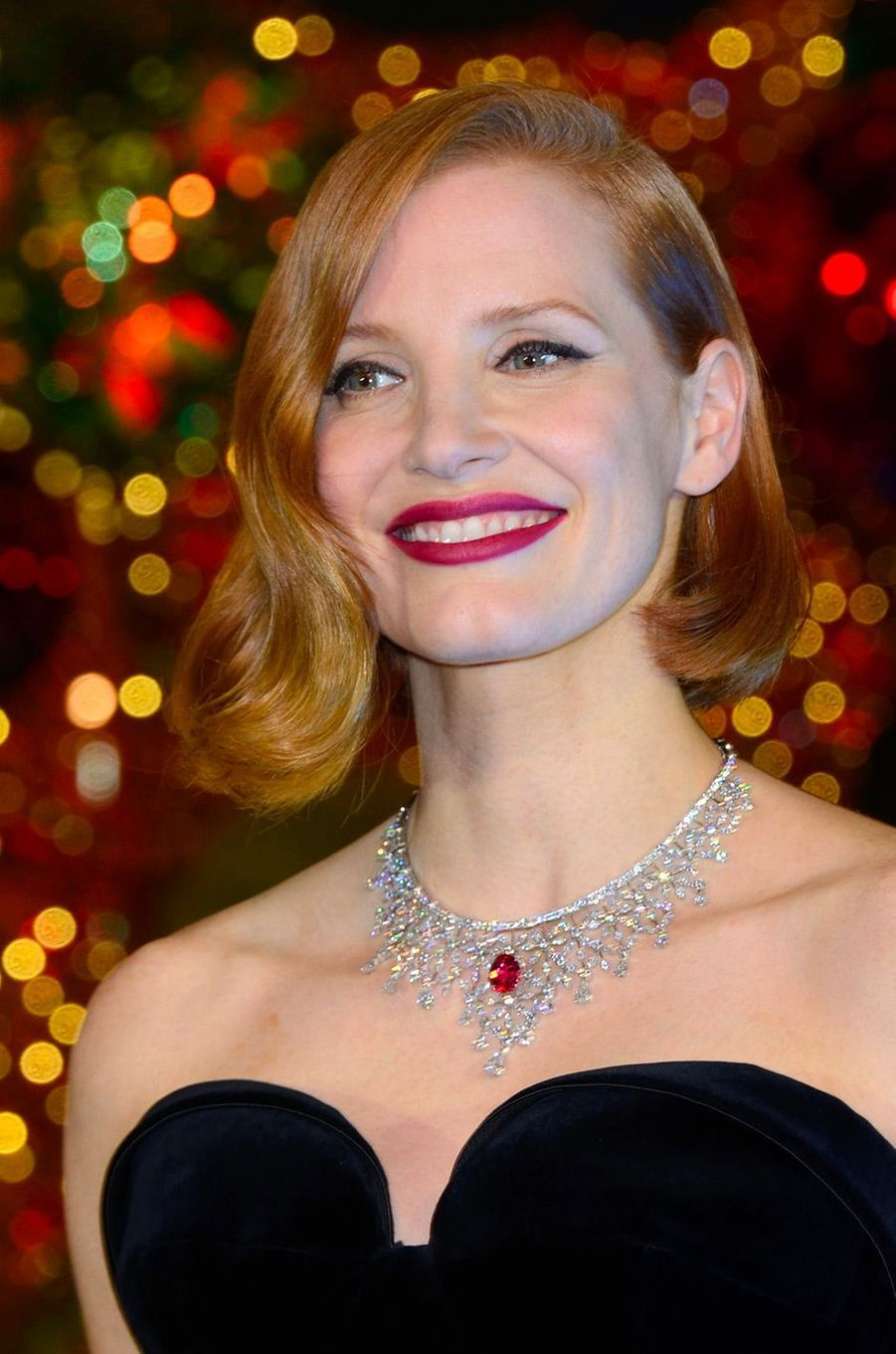 Jessica Chastain a inauguré le sapin de Noël des Galeries Lafayette, à Paris, mercredi 7 novembre