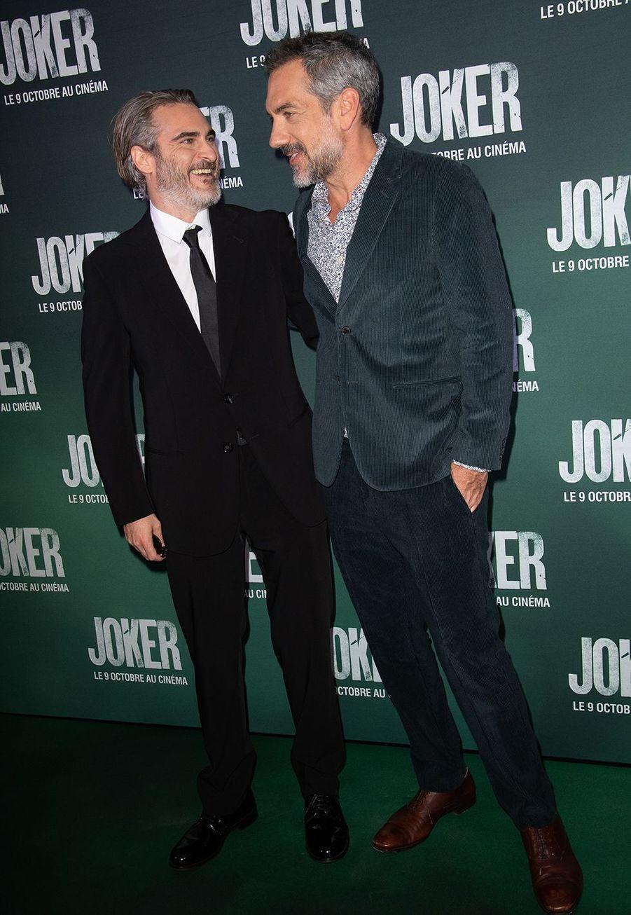 Joaquin Phoenix etTodd Phillipsà la première du film «Joker» à l'UGC Normandie à Paris le 23 septembre 2019
