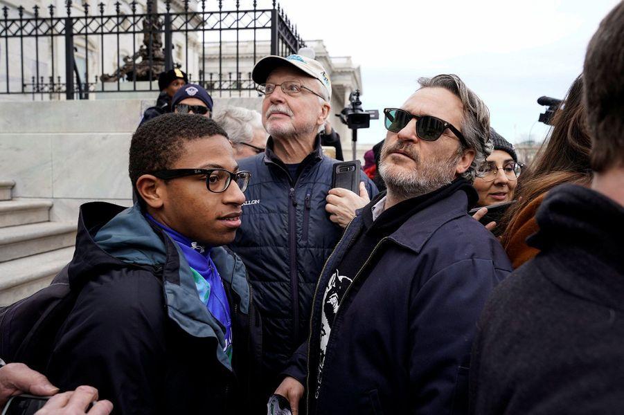 Joaquin Phoenix s'est fait arrêter lors d'une marche pour le climat