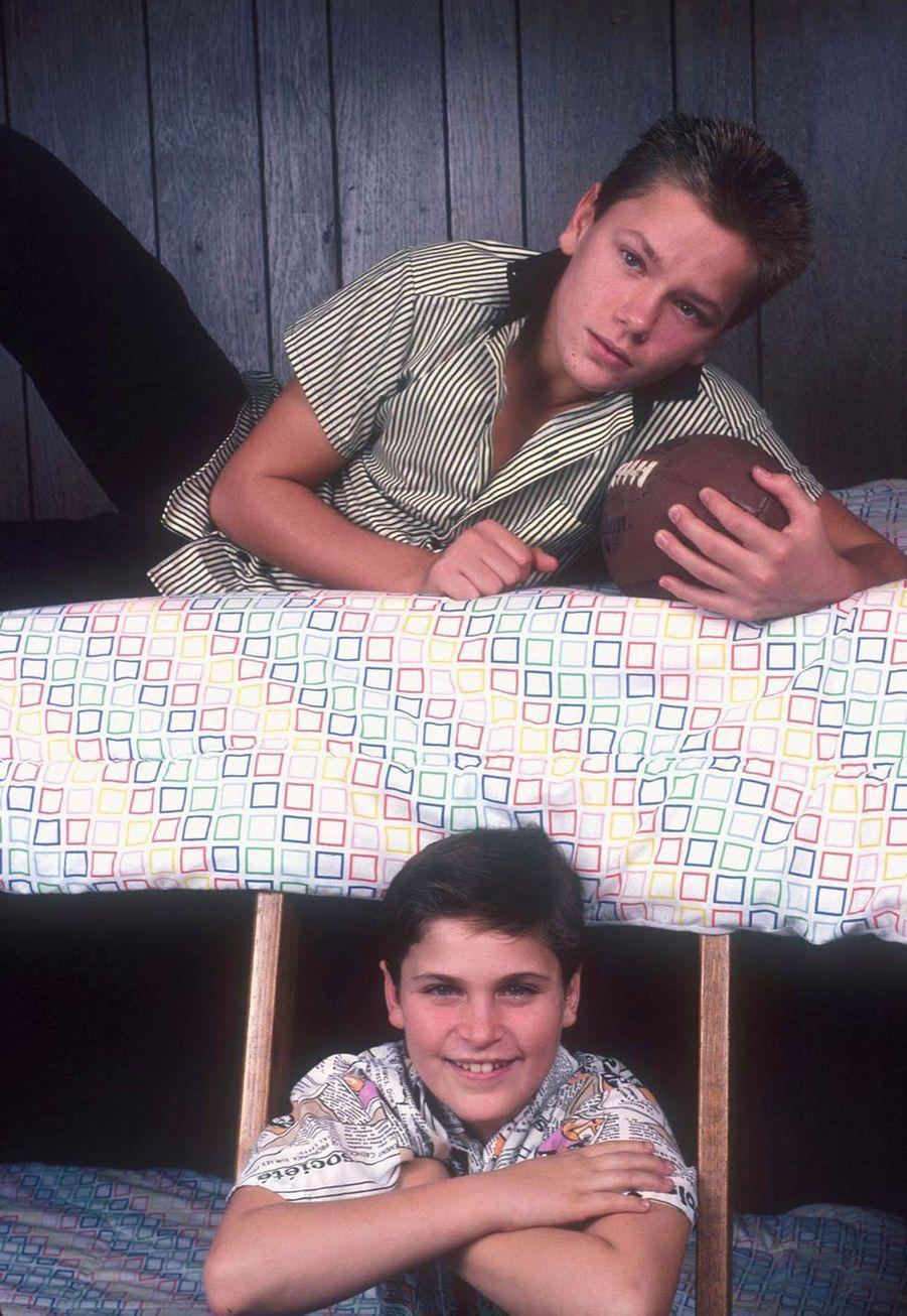 Joaquin Phoenix et son frère River dans leur chambre en 1985