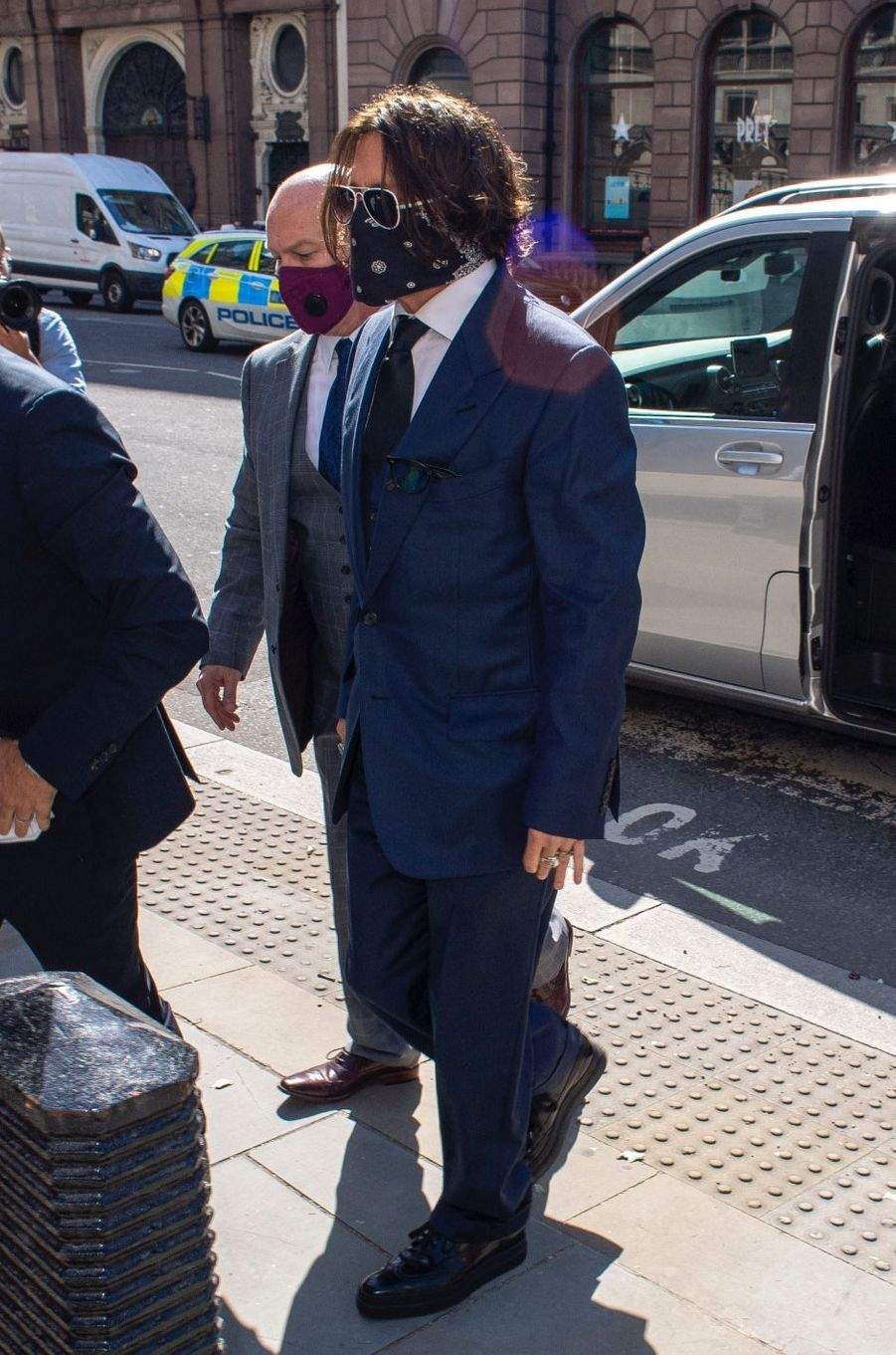 Johnny Depp arrive à la cour royale de justice à Londres, pour entamer le procès pour diffamation contre le magazine «The Sun» le 7 juillet 2020.
