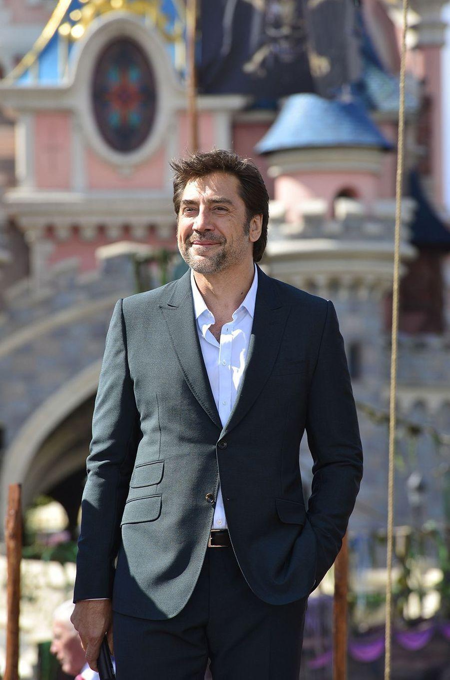 """Javier Bardem à Disneyland Paris pour la promotion de """"Pirates des Caraïbes : La Vengeance de Salazar"""", le 14 mai 2017."""
