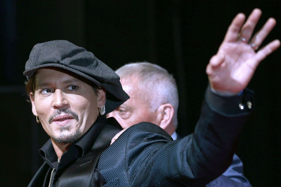 """Johnny Depp, à l'avant-première de """"Pirates des Caraïbes"""" à Tokyo, le 20 juin 2017."""