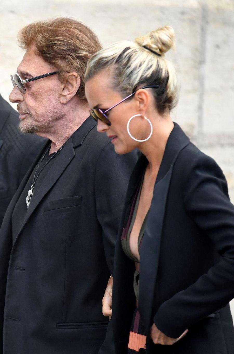 Johnny Hallyday et sa femme Laeticiaaux funérailles de Mireille Darc, le 1er septembre 2017.