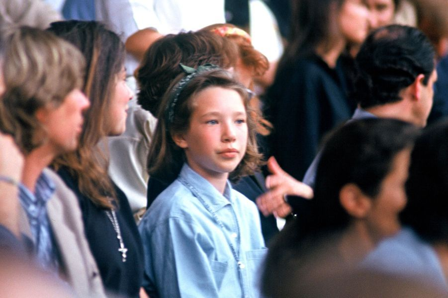 Laura Smet dans les gradins du Parc des princes, 1993.
