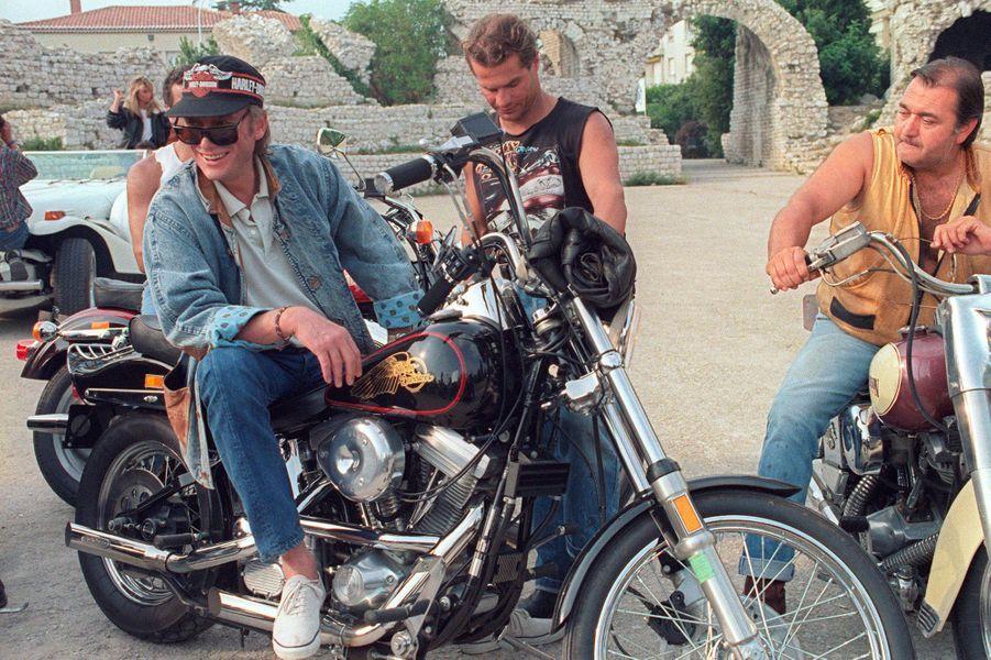 Johnny Hallyday lors du tournage d'un clip en août 1987.