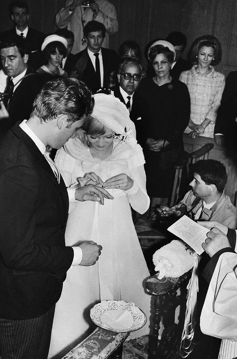 Johnny Hallyday et Sylvie Vartan, le mariage en 1965.